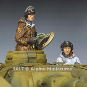 Alpine Miniatures: 1/35; set di due carristi WSS Panzer con uniforme invernale